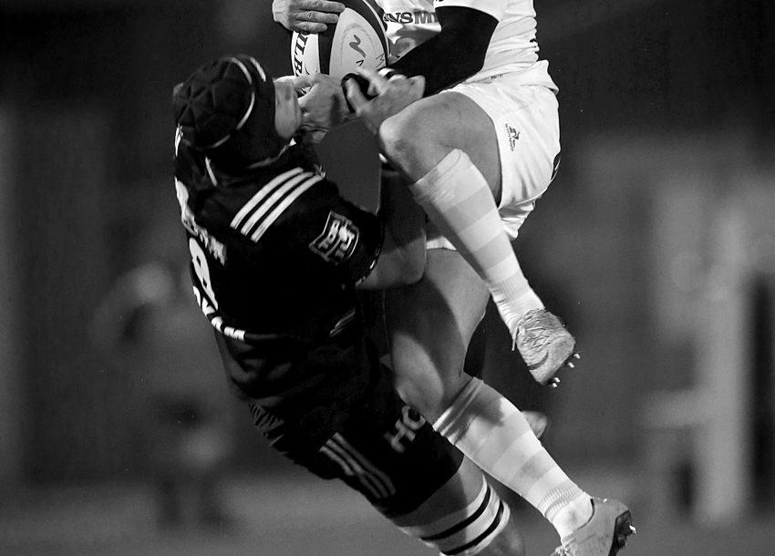 Duel en l'air entre Brice Dulin et Petrus Hauman